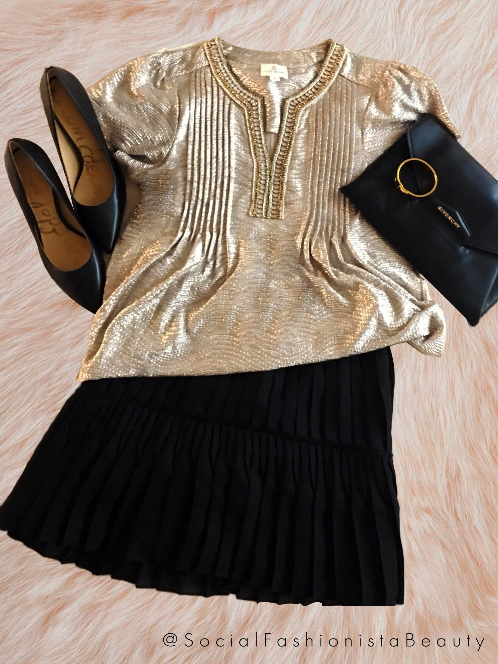c02cd5d444a2 I wore this outfit to a Holiday Birthday party for one of my fellow blogger  friends. The perfect outfit for an amazing evening!!